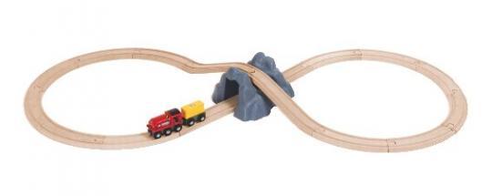 BRIO Bahn Acht mit Bergtunnel