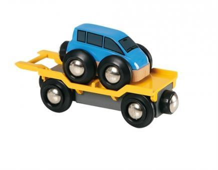 Autotransporter mit Rampe