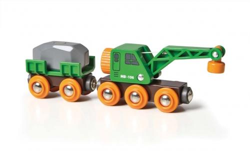 Grüner Kranwagen mit Anhänger